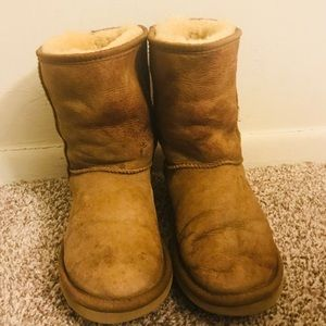 UGG Woman's Short Boots Size 7